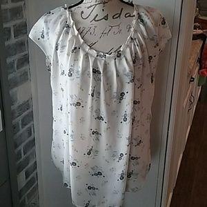 LC LAUREN CONRAD floral blouse size XL